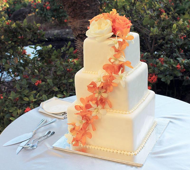Cakes < Gannon\'s Weddings